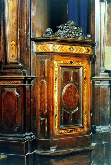 Confessionali basilica di gandino restauro mobili antichi e mobili d 39 epoca lorenzo asperti - Restauro mobili antichi milano ...